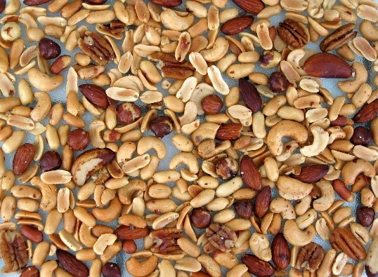 picture_3_mixed_edible_nuts_0.jpg